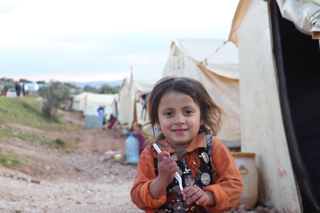 Distribution de vêtements chauds dans les camps de réfugiés